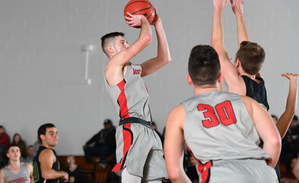 MBB Edged in Final Seconds by Wentworth