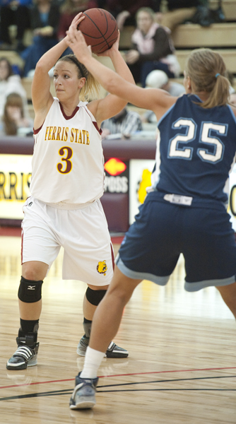 #3 Lindsey Pettit (Photo by Ed Hyde)