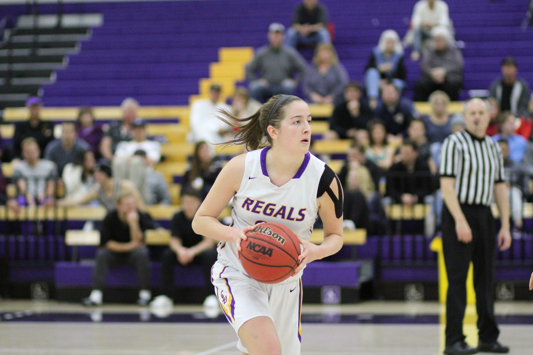 Regals fall to Mustangs