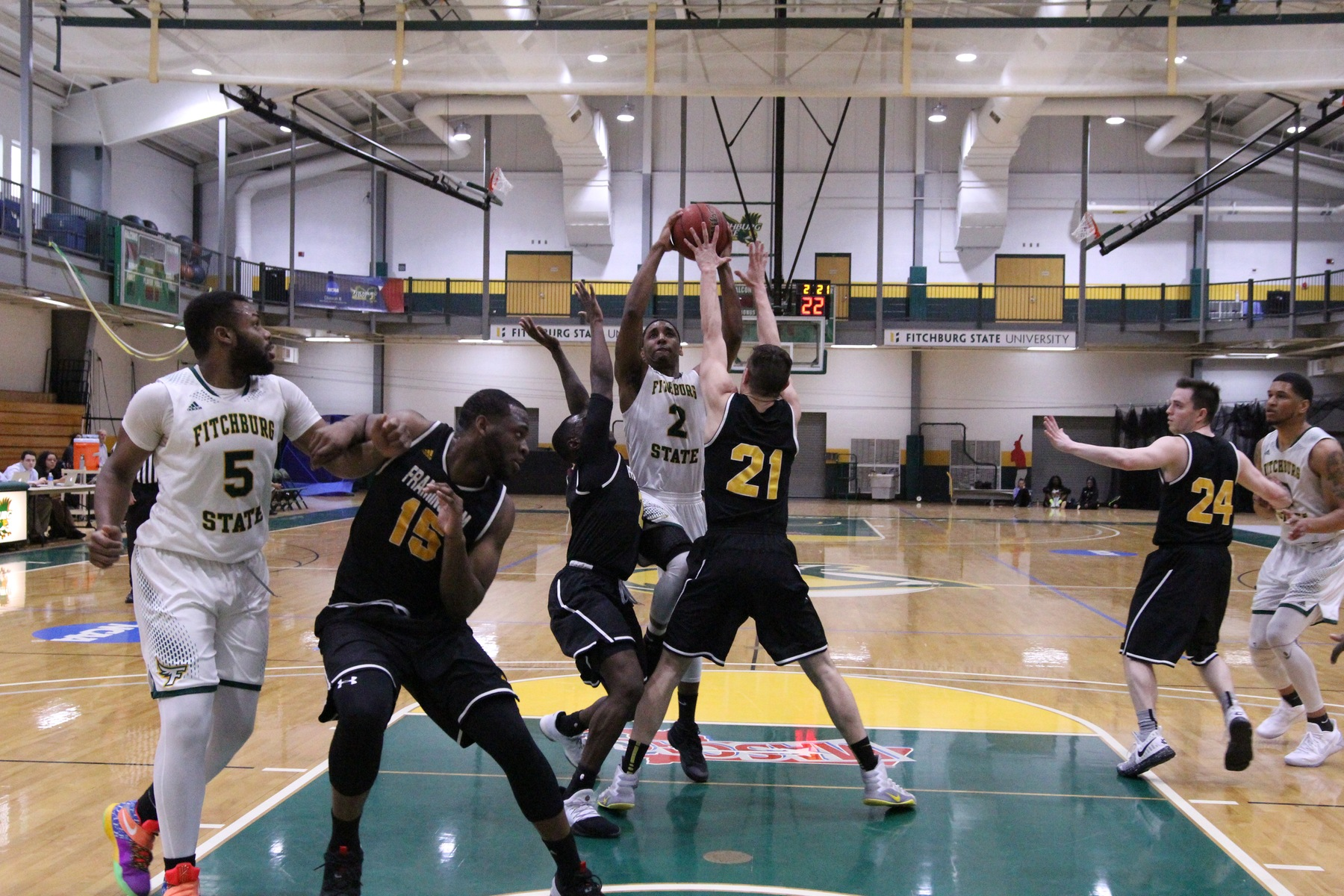 Men's Basketball Concludes Regular Season with Fifth Straight Win