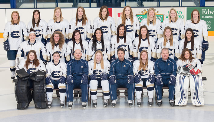 Nikki Kothenbeutel Earns Women's Hockey Team Awards