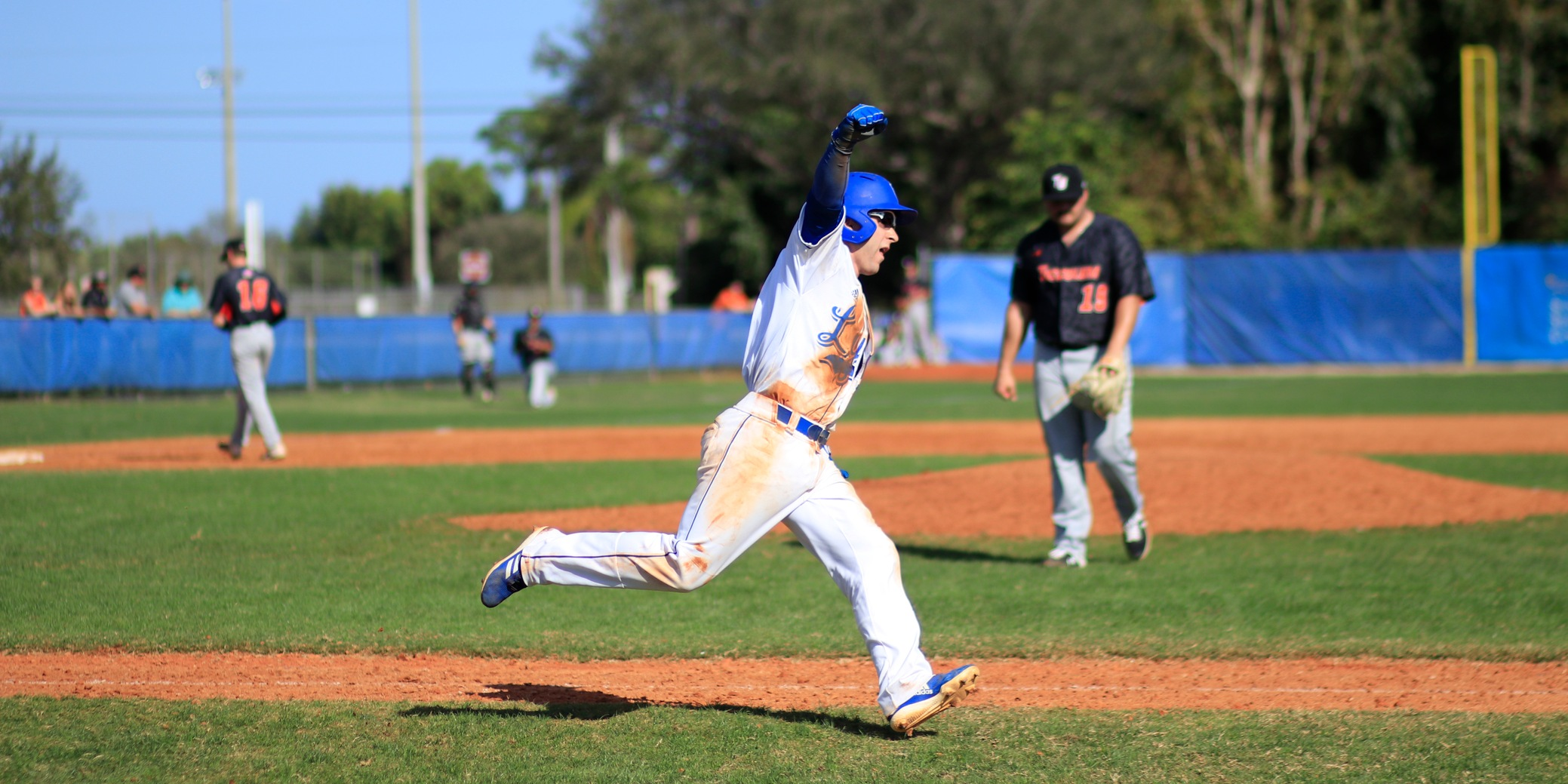 Archer's Walk-Off Single Pushes Baseball Past Pioneers