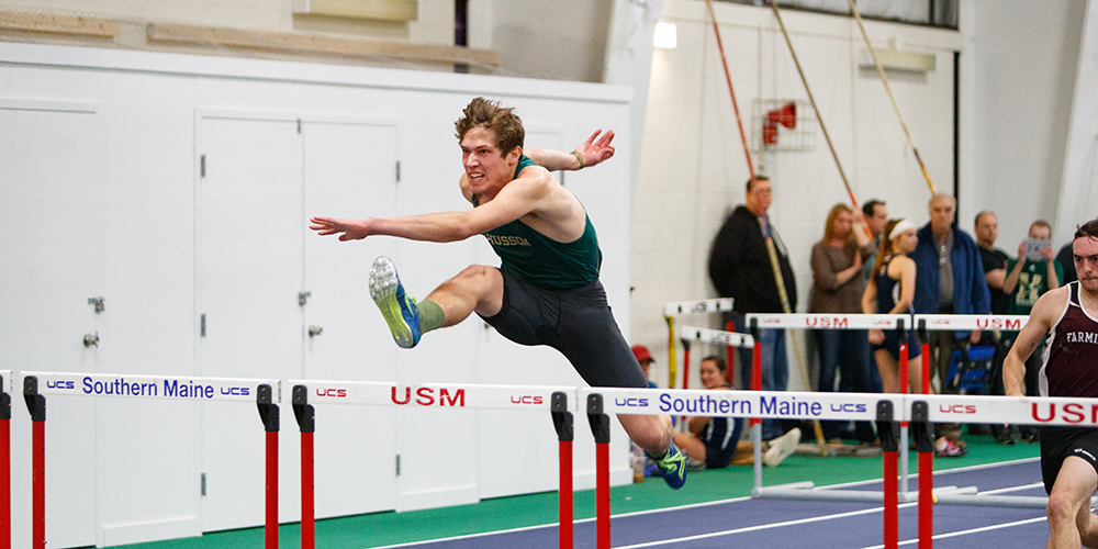 Records Fall as Men's Indoor Track & Field Finish Fifth Overall at the 2018 Bowdoin Invitational I
