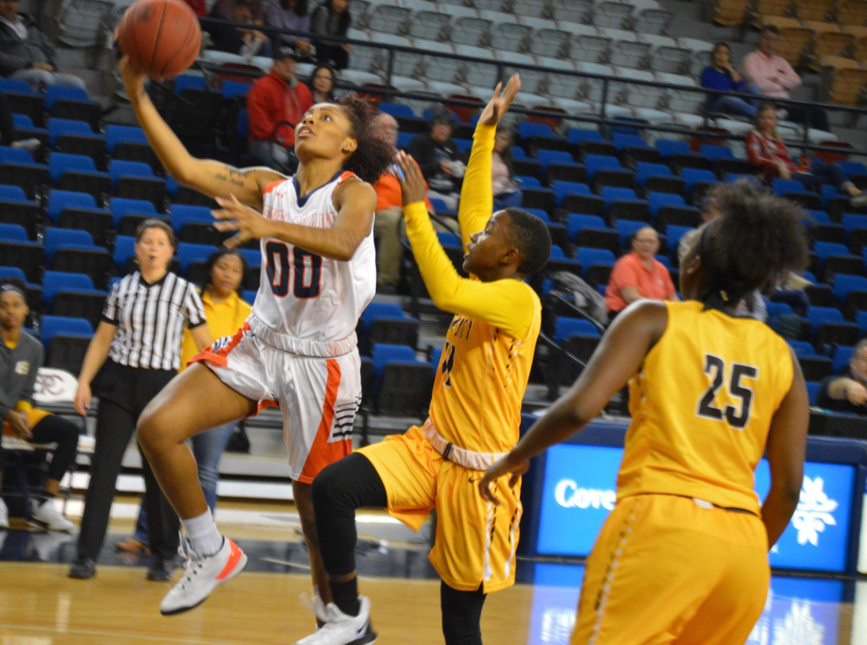 Kuehne scores 17, No.16 Lady Texans trounce Garden City 60-35 in home opener on Tuesday