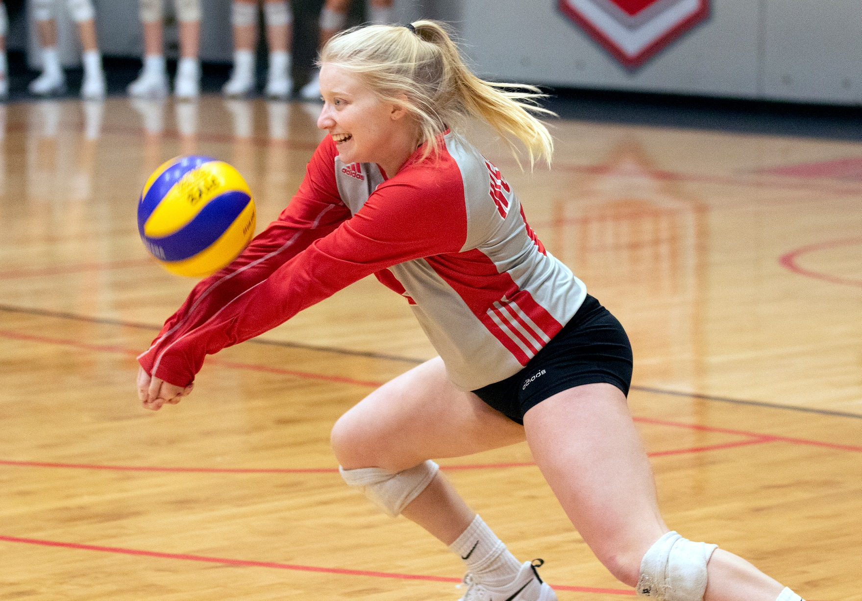 Madison Fyvie gets down to dig up a Regina attack during women's volleyball action, Saturday, Nov. 30, 2019. (David Larkins/Wesmen Athletics)