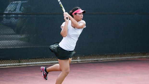 No. 3 women earn hard-fought 7-2 victory over No. 14 Urban Knights