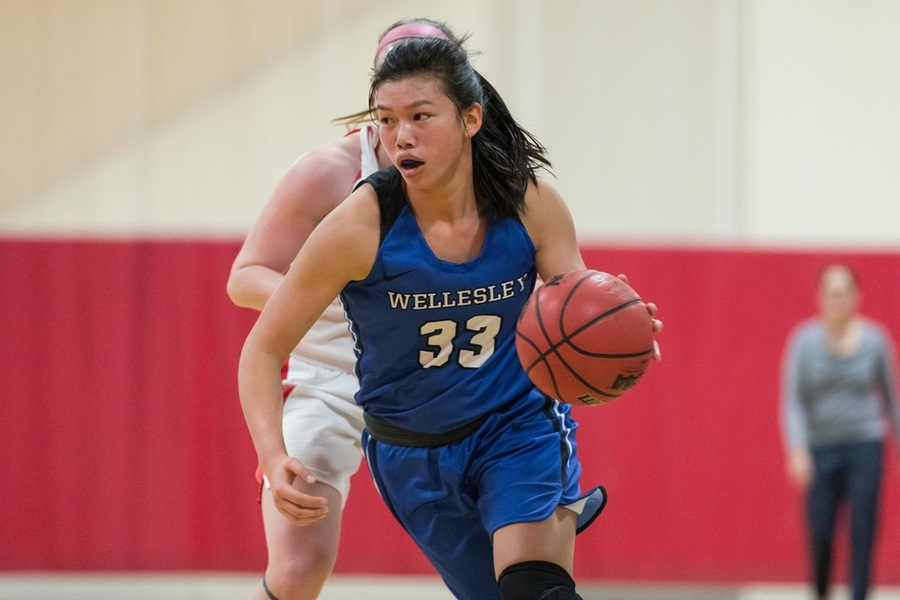Alyssa Cho scored a career-high 18 points to lead the Blue (Frank Poulin).