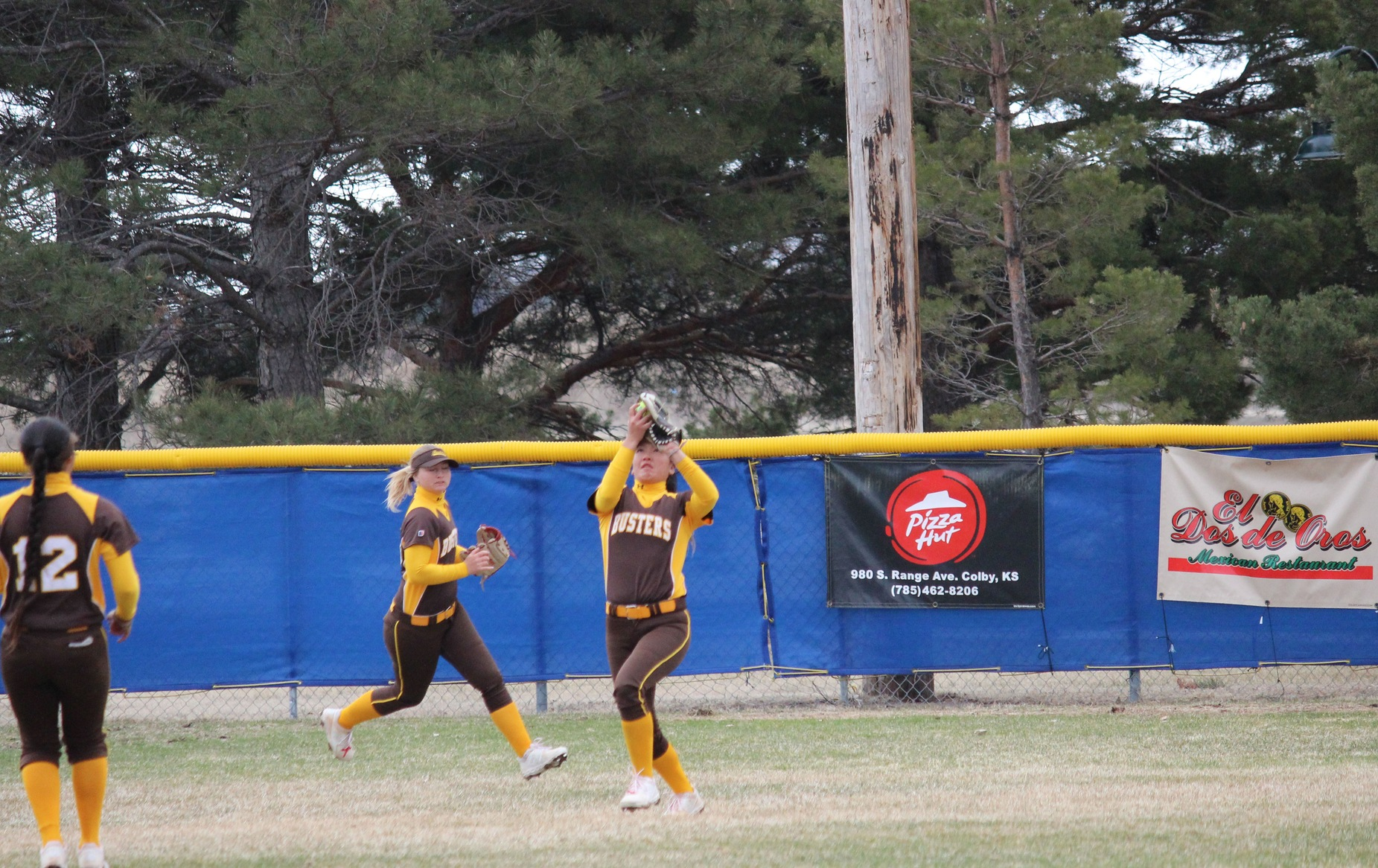 Garden City uses the long ball to down Colby in game two