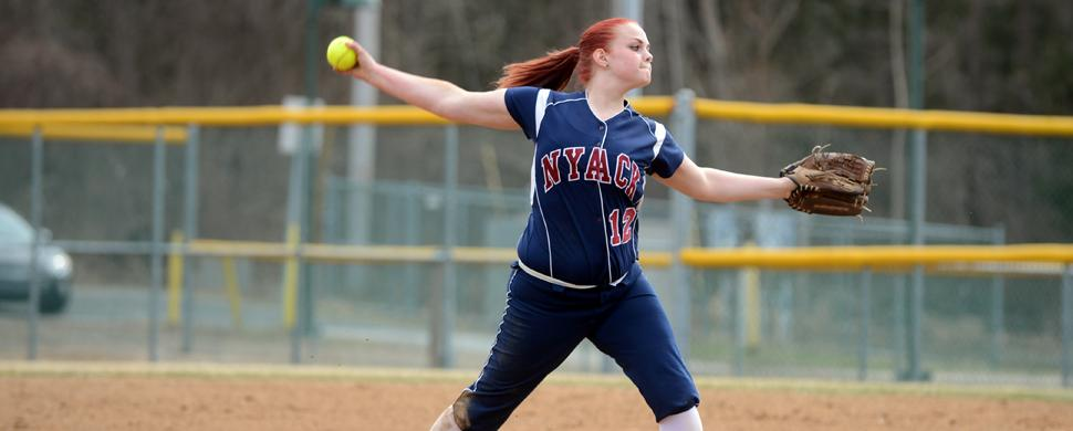 Softball Splits Conference Doubleheader With Concordia Clippers