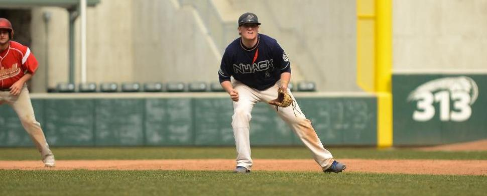 Baseball Splits Twinbill to Open Florida Trip