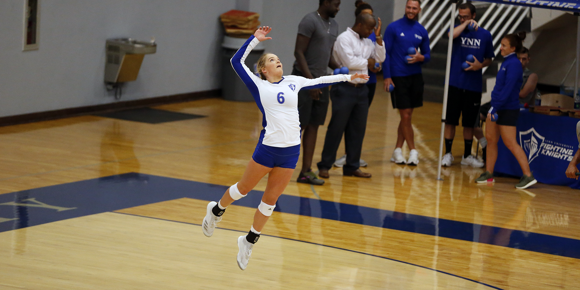 Volleyball Swept at No. 7 Tampa
