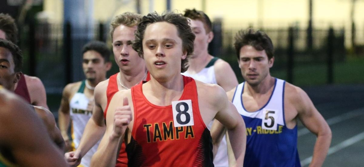UT Runners Among Pack at USF Open