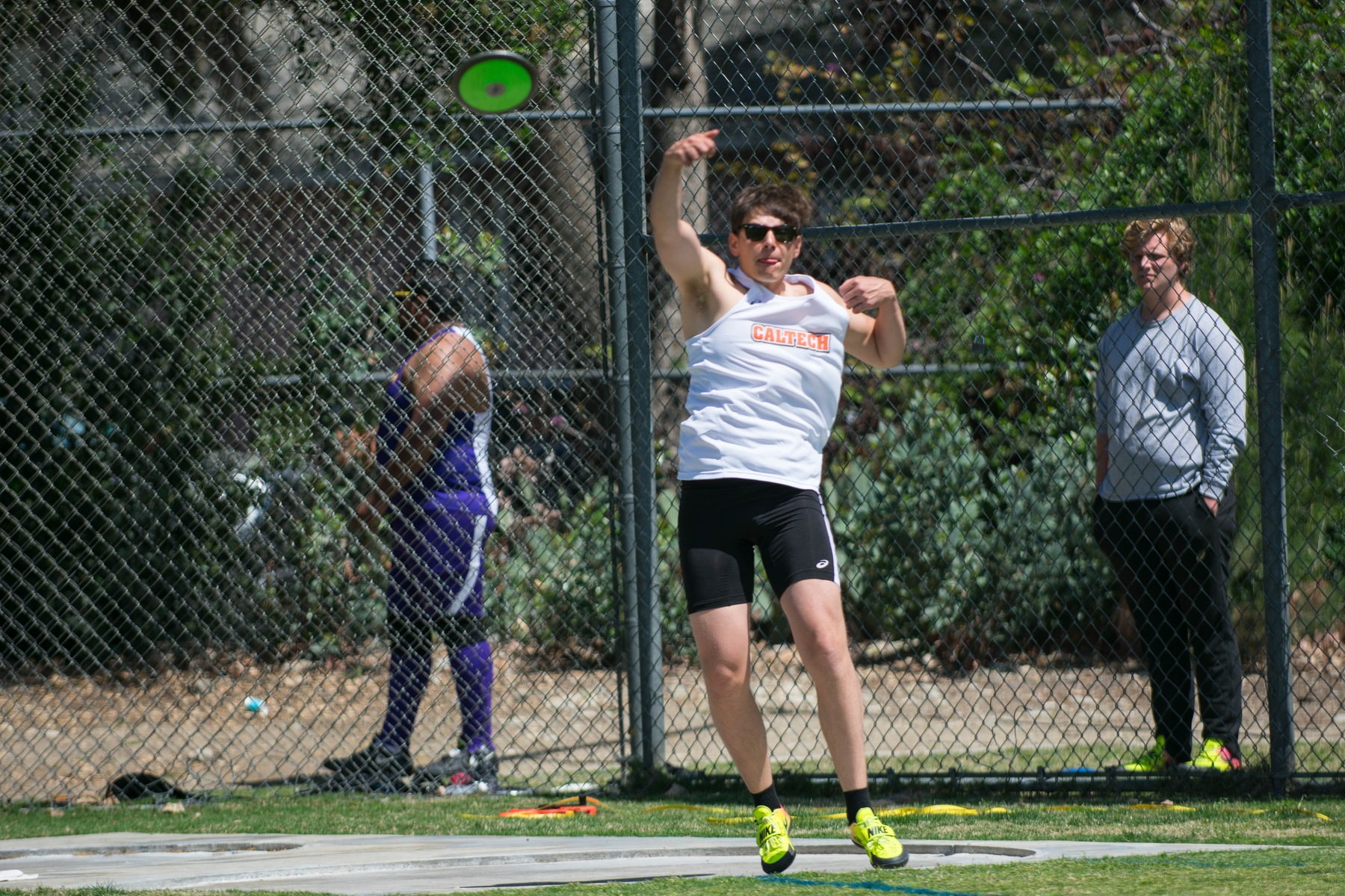 Men's Track and Field Builds Early Momentum at Rossi Relays