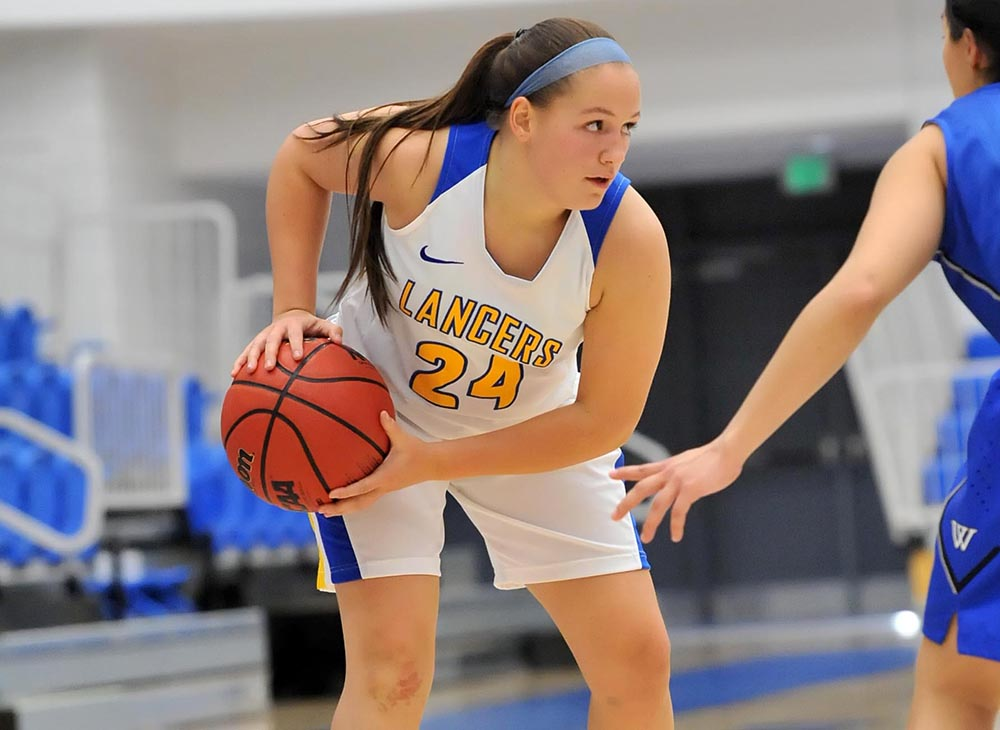 Women's Basketball Edged by Westfield State, 66-65
