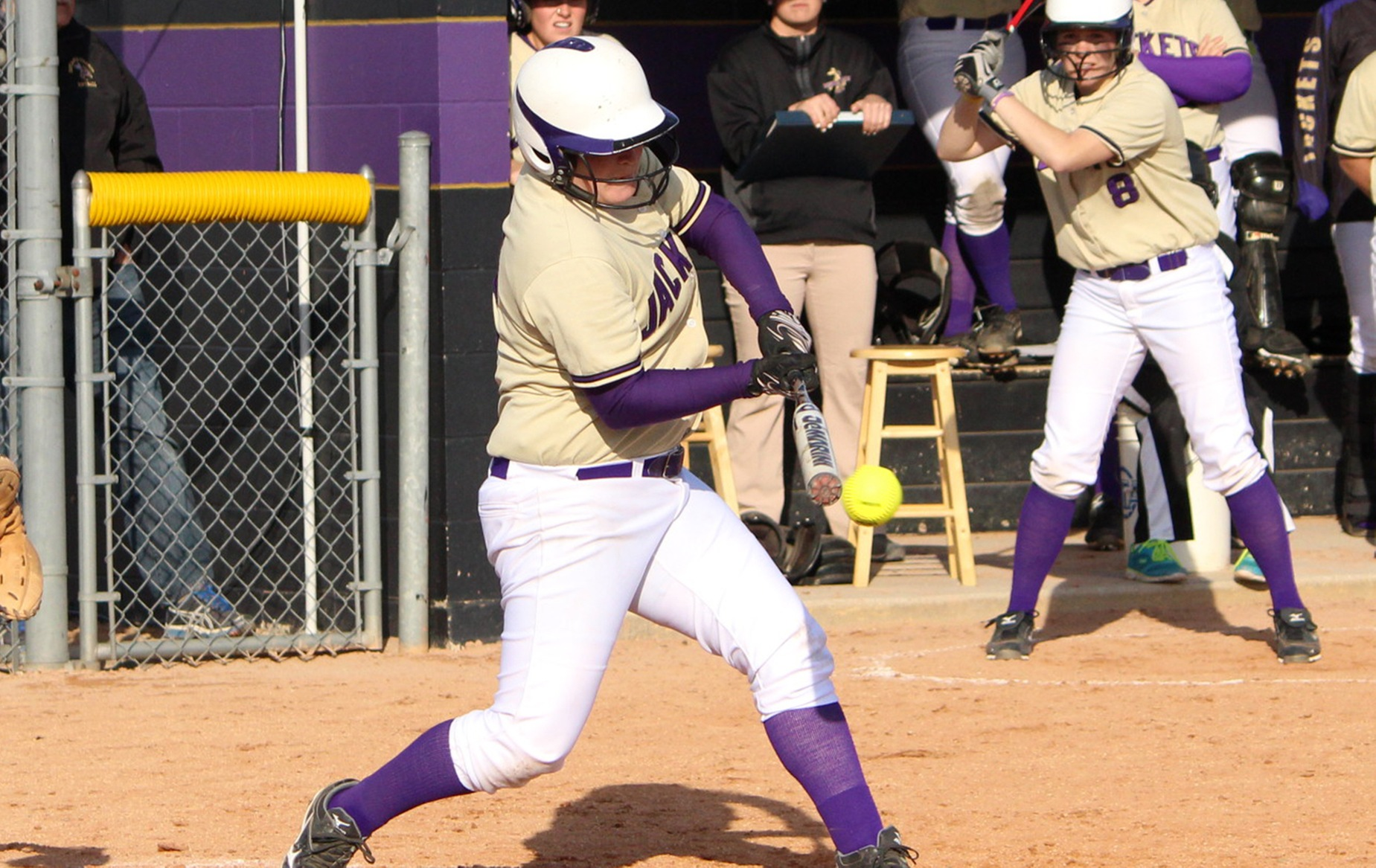 Yellow Jackets earn split with Manchester in HCAC road test