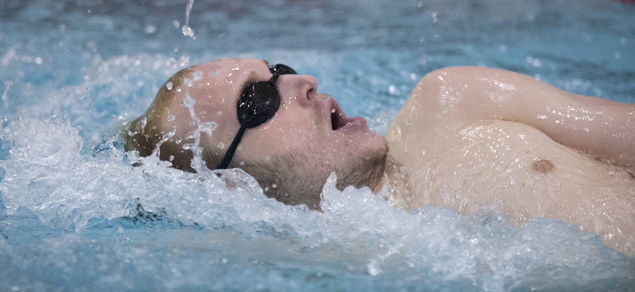 Men's Swimming and Diving Suffers Setback to MIT