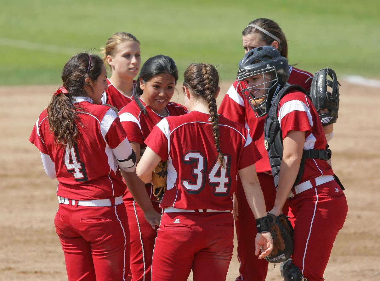 Bronco Softball Inks Accomplished Class for 2011-12