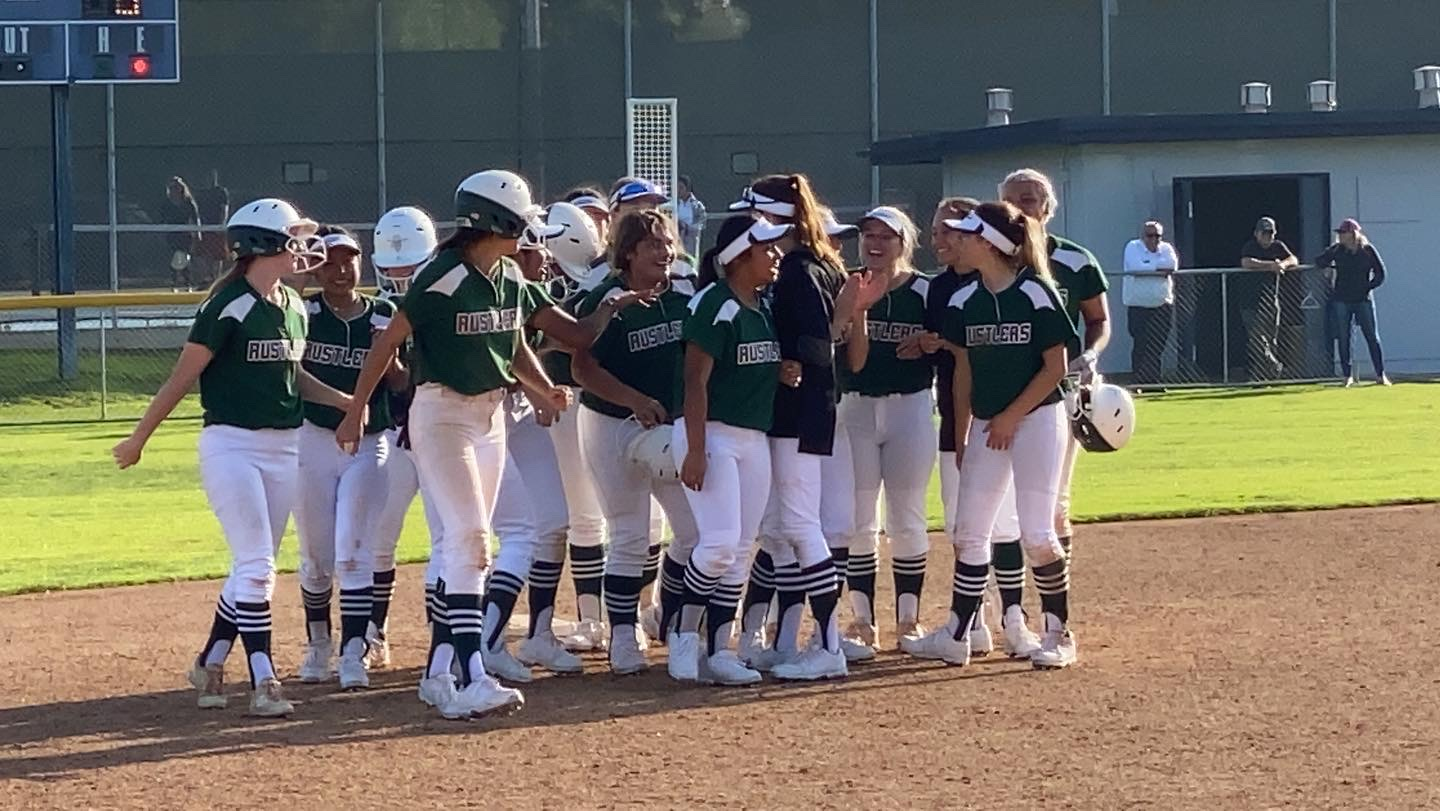 Softball: Vasquez Walks-Off in Game Two to Salvage a Split in Opening Weekend