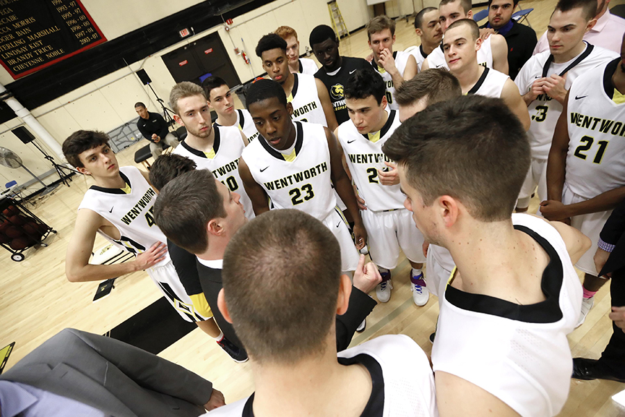 DePauw Pulls Away From Men's Basketball With Late Run