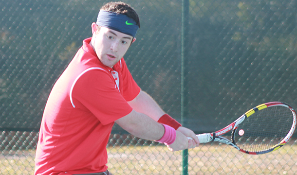 Men's Tennis Tops Division II Stonehill, 6-3