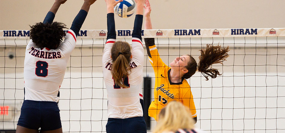 Sophomore Ivy Earl had 23 kills in the two matches of the Hiram College Invitational (Photo Courtesy Erik Drost)