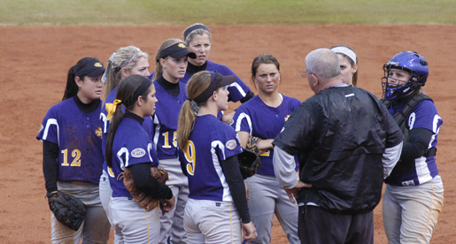 Golden Eagles drop a pair to Bulldogs Saturday