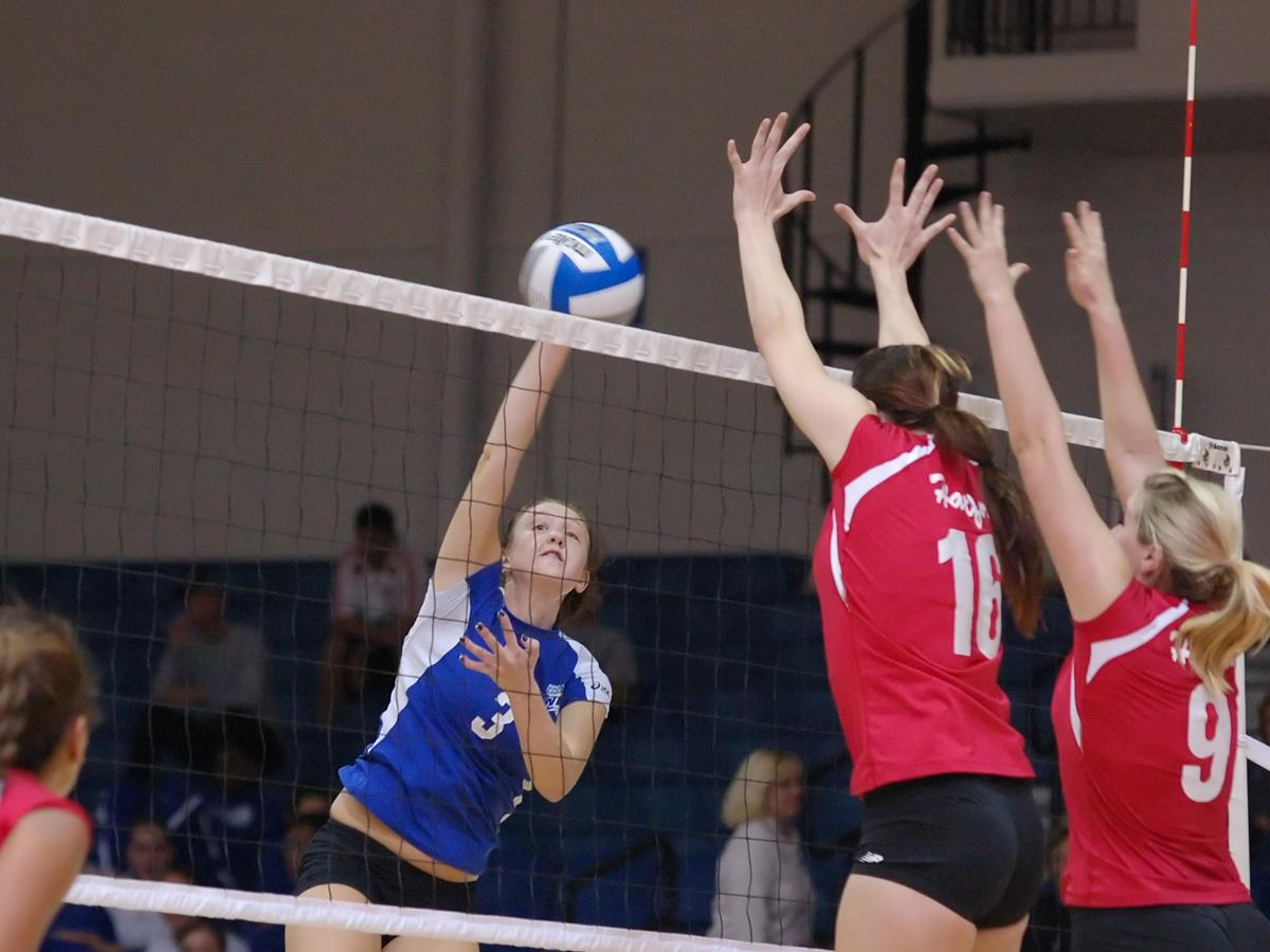 CCSU Defeats Iona and Falls to Stony Brook To Finish 2-1 in Blue Devil Invitational