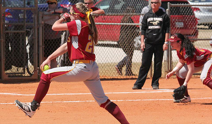 Bulldog Softball Drops Final Two Games In Florida Tourney