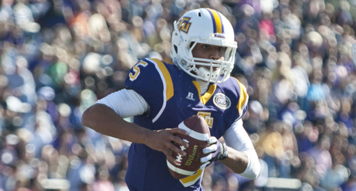Golden Eagles battle to the finish, fall 31-24 to EIU in Homecoming game