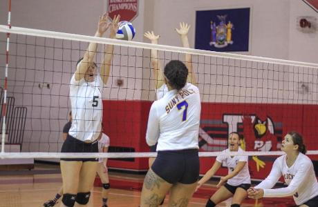 WVB: Wildcats Beat Hartwick 3-1 to Secure Their Fifth Consecutive Win.