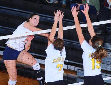 Resilient Eagles earn first ever sweep in NCAA Tournament over USC Aiken