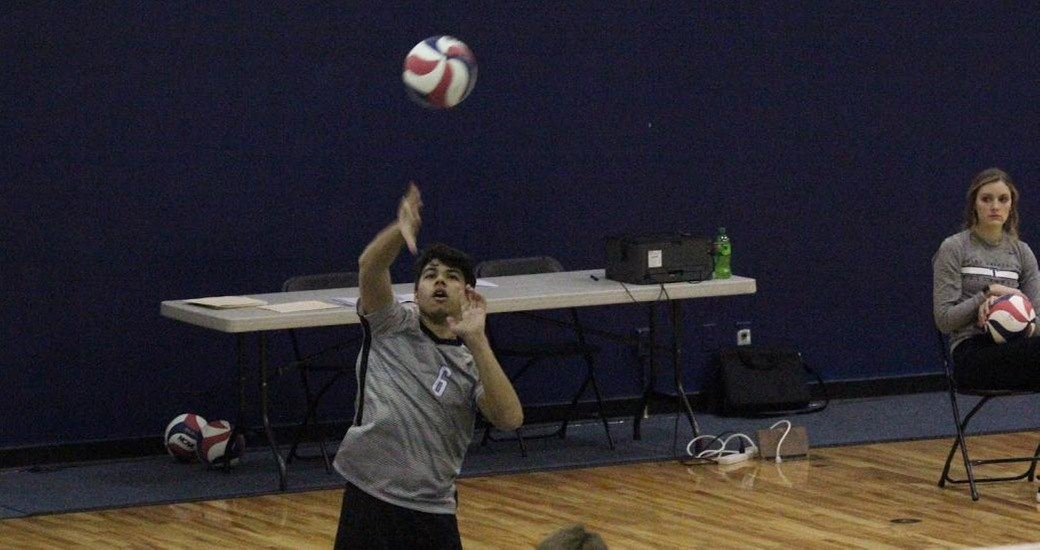 Men's Volleyball Takes CUC to Four Sets; Trine to Five Sets