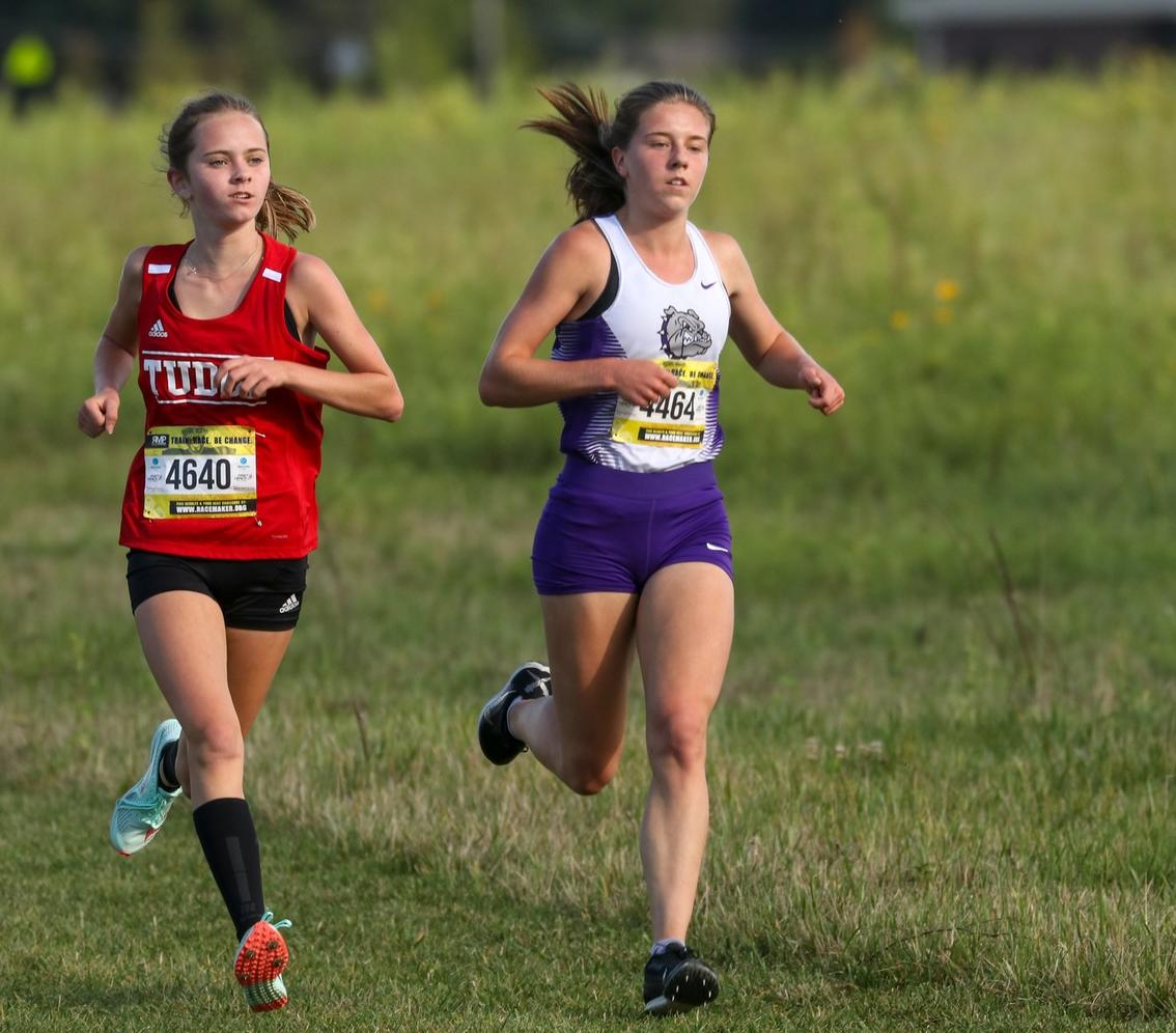 No. 21 @BHSDogsGirlsXC finishes 8th at huge Nike Valley Twilight meet