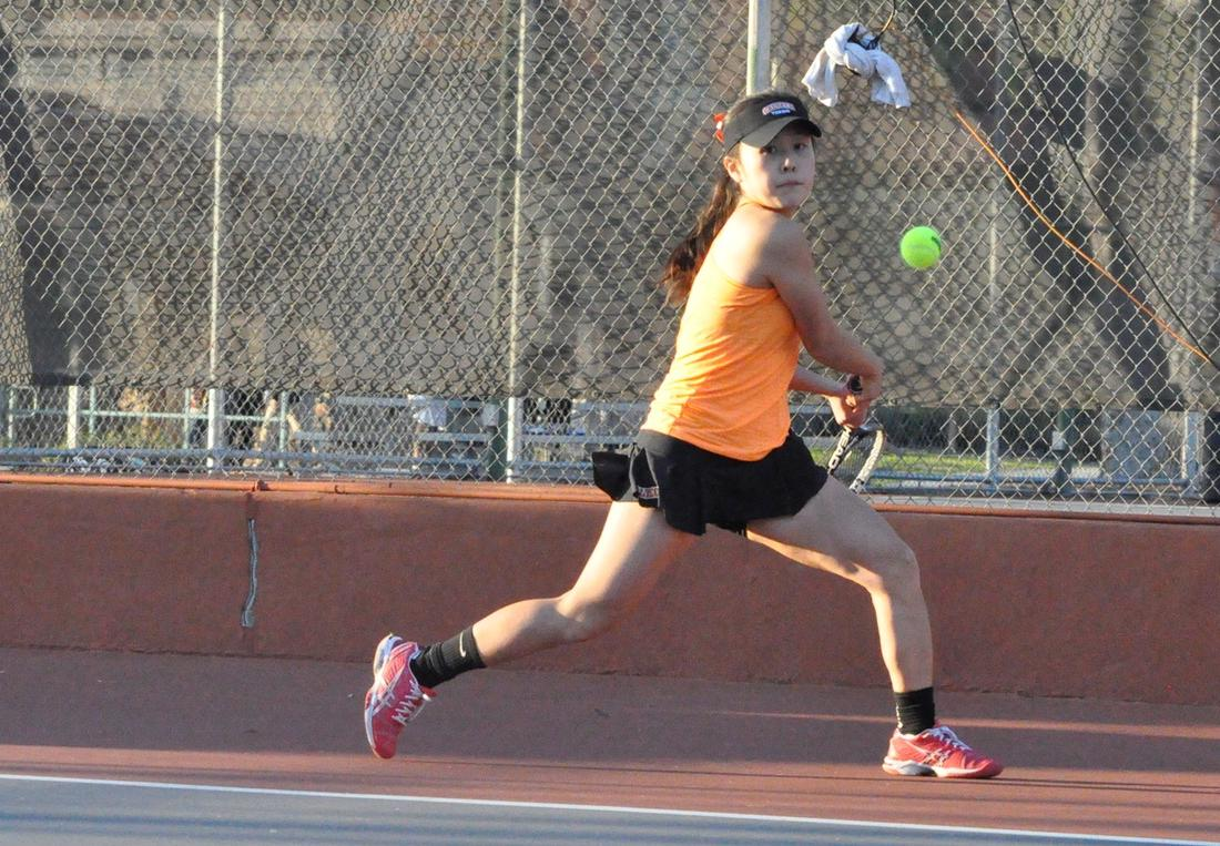 Women's Tennis Gets Singles Win On No. 19 Brandeis