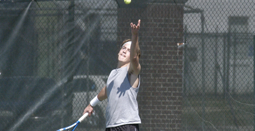 Men's tennis finishes regular season with 5-2 win over Lipscomb