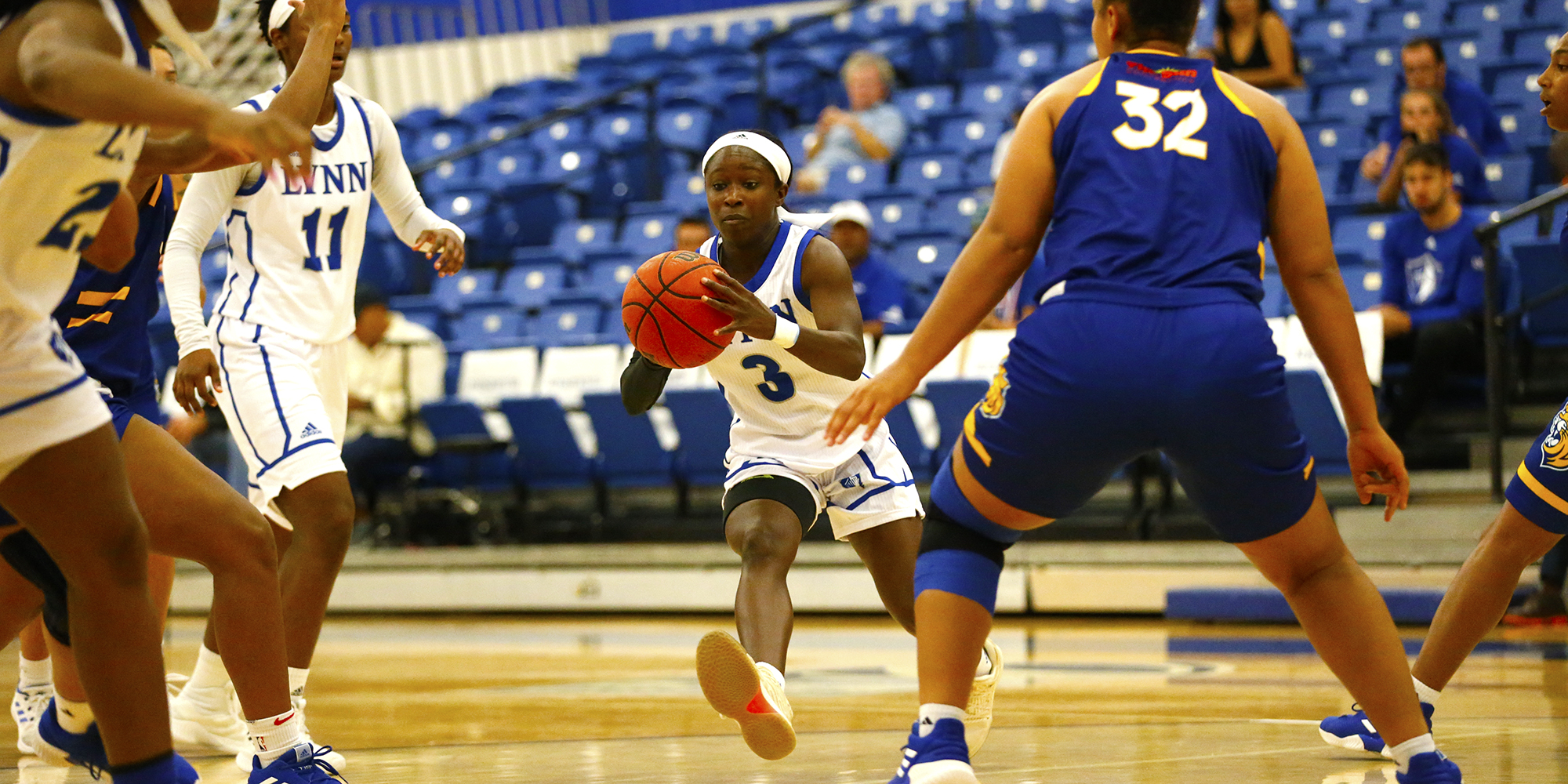 Women's Basketball Edges Out Tritons