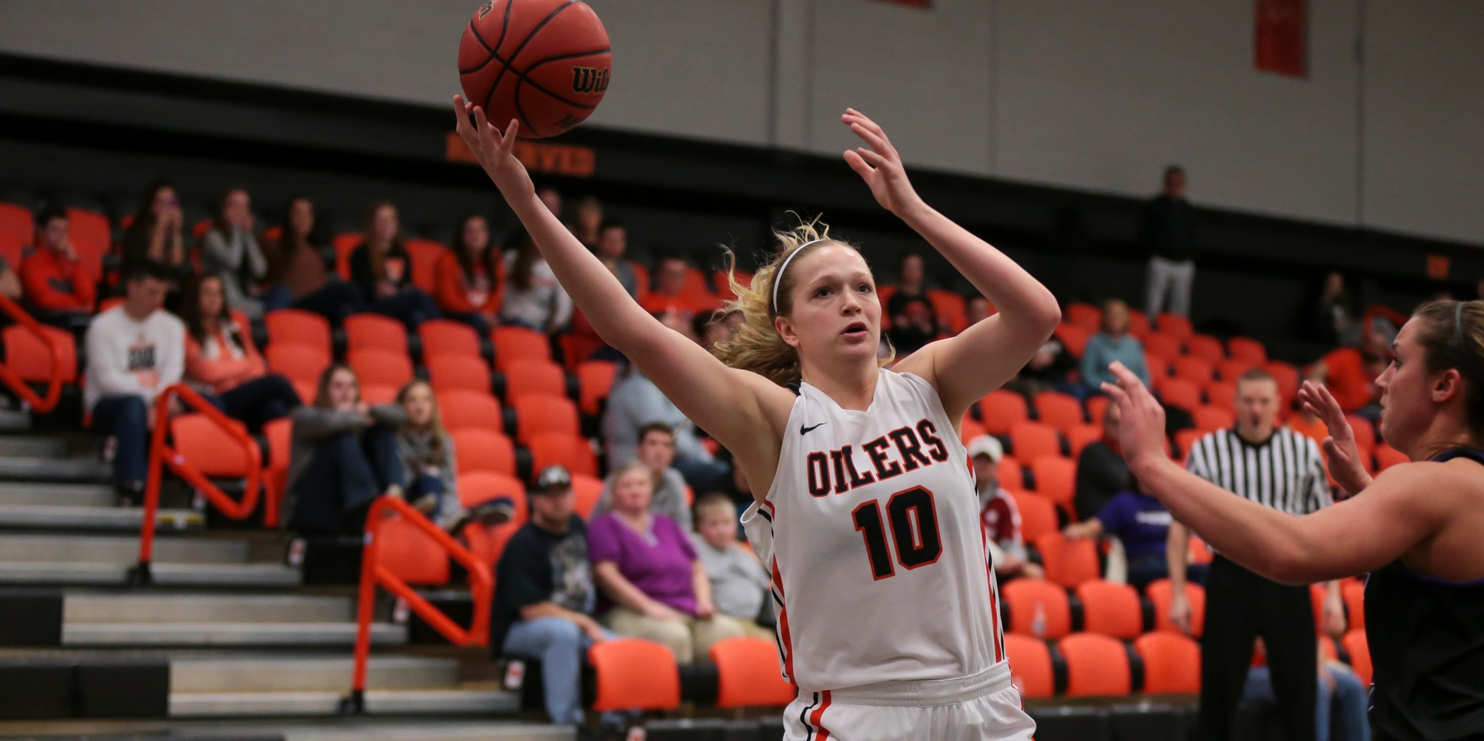 Late Run Dooms Oilers in North Canton
