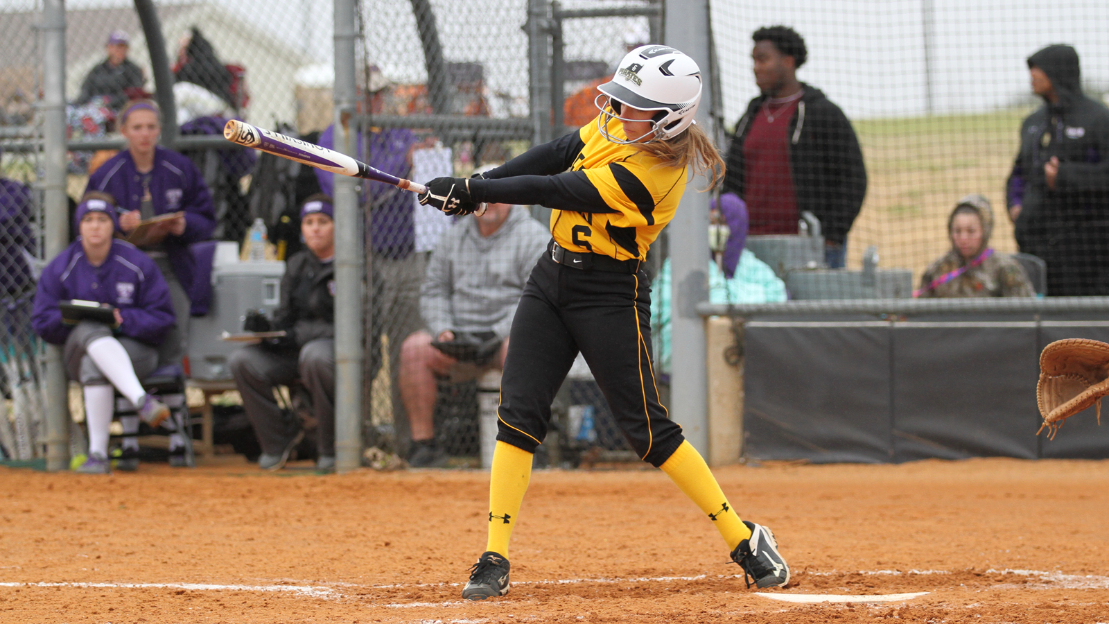 Pirates drop season-opening doubleheader to UMHB