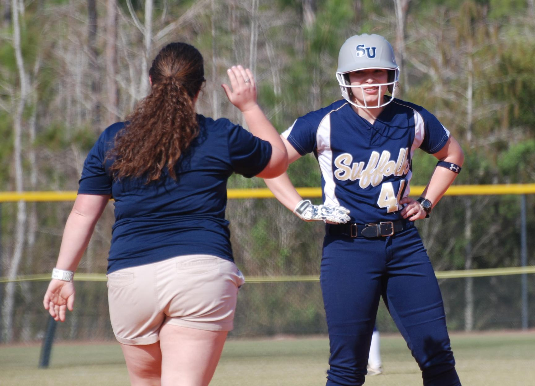 Softball Eliminated From GNAC Tournament After 9-1 Loss to Emmanuel