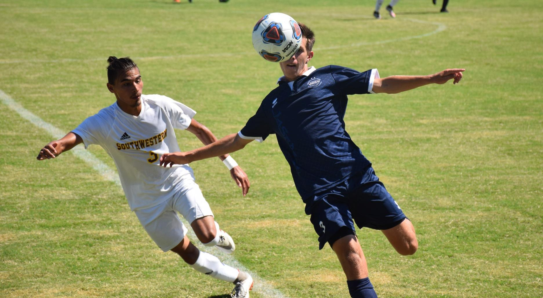 Men's soccer team falls by a goal on road at Orange Coast