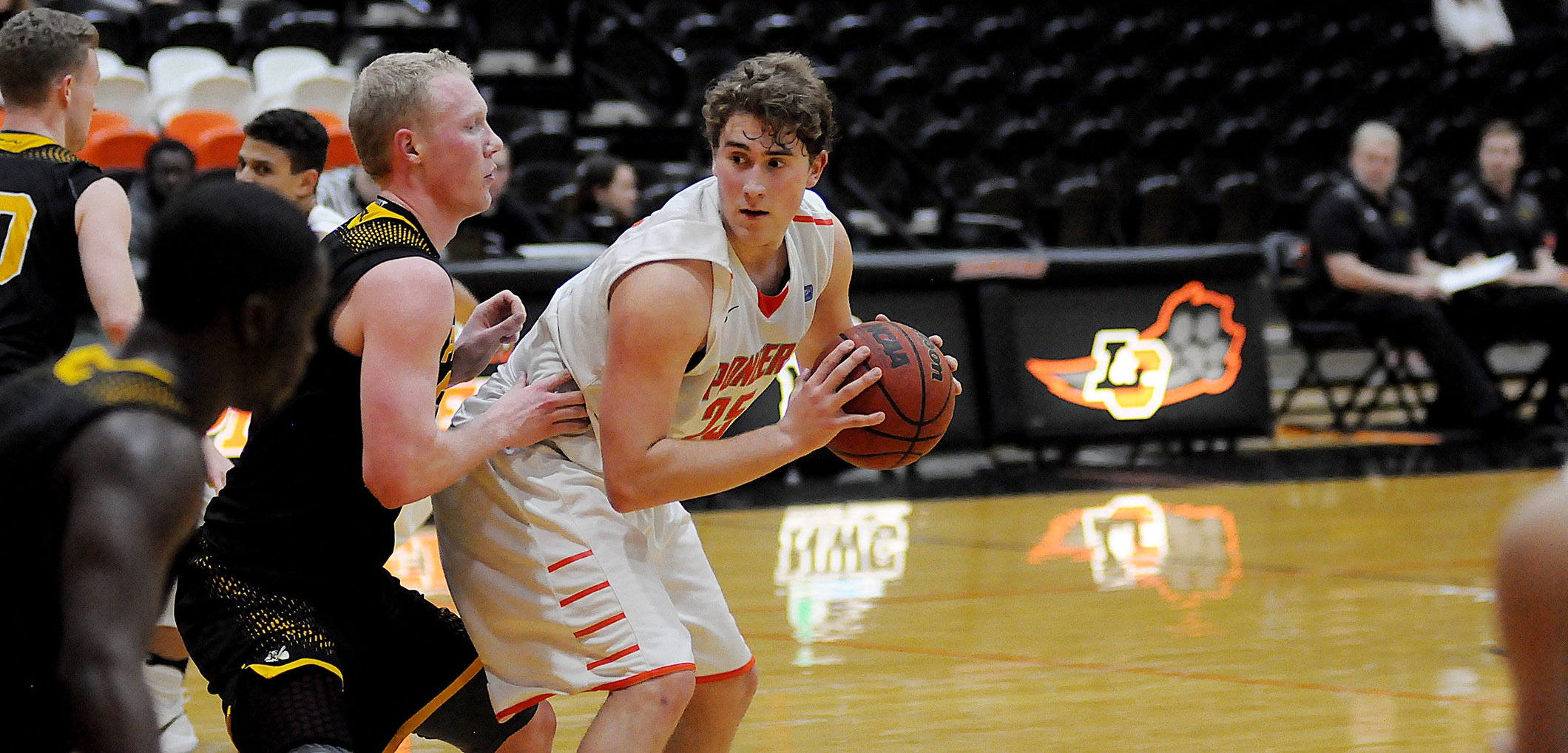 Best shooting night of the NWC season sparks Pios win