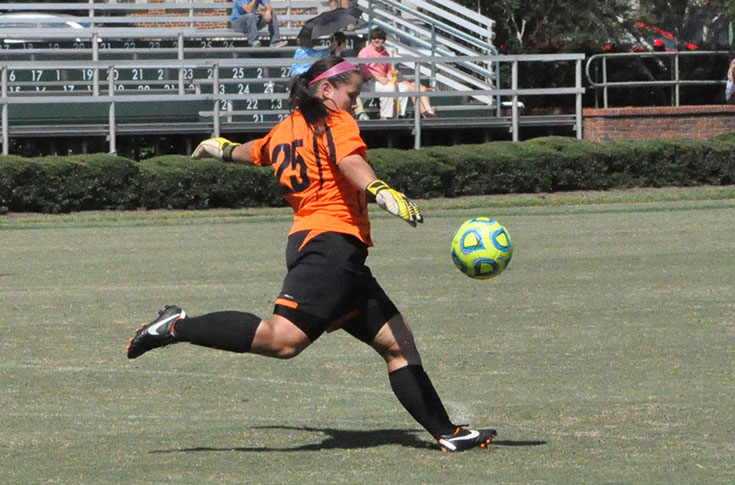 Women's Soccer: Panthers improve to 2-1 in the USA South with 2-0 win over William Peace