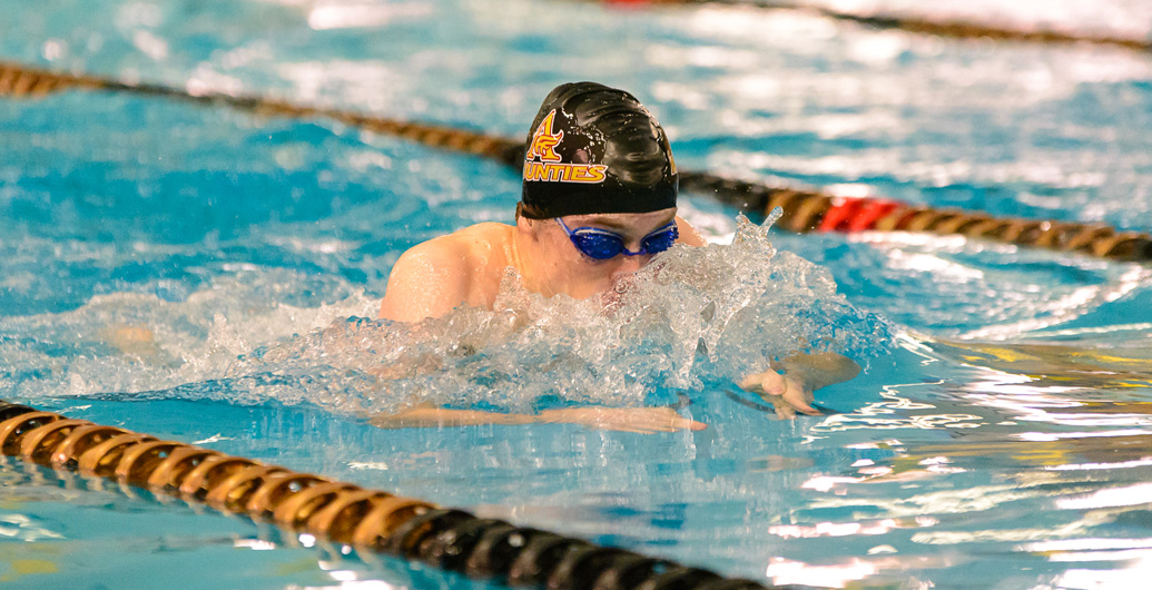 Feschuk and Berger Qualify for U Sports Swim Nationals