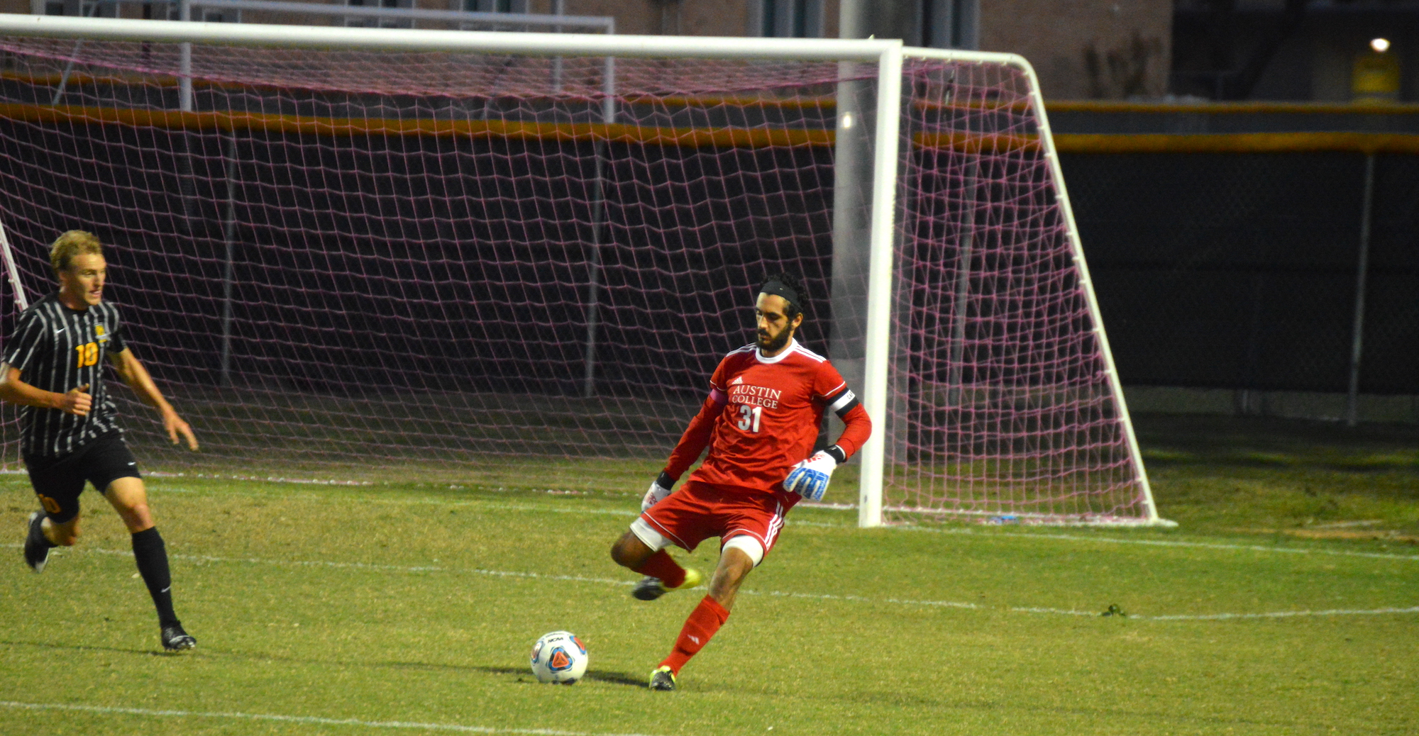 'Roo Men Battle to Draw with Colorado College
