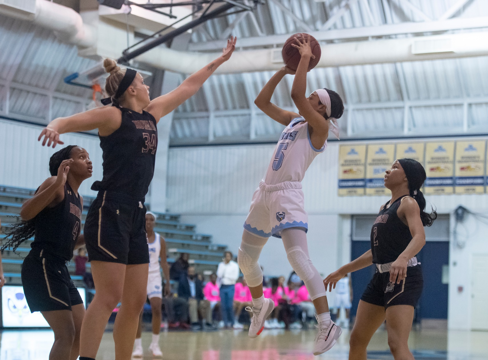 Women's Basketball Edged By Harford