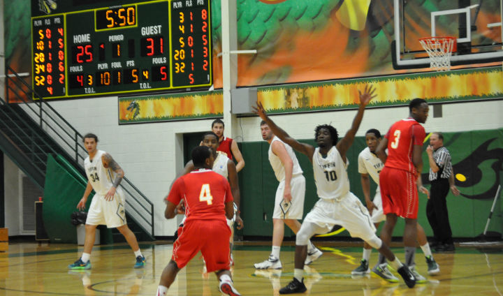 Ferris State Comeback Falls Short In Wild Finish Against Tiffin