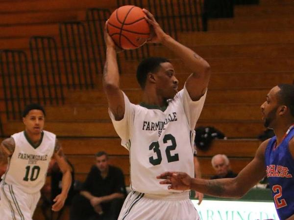 Ramapo Edges Rams in Final Seconds