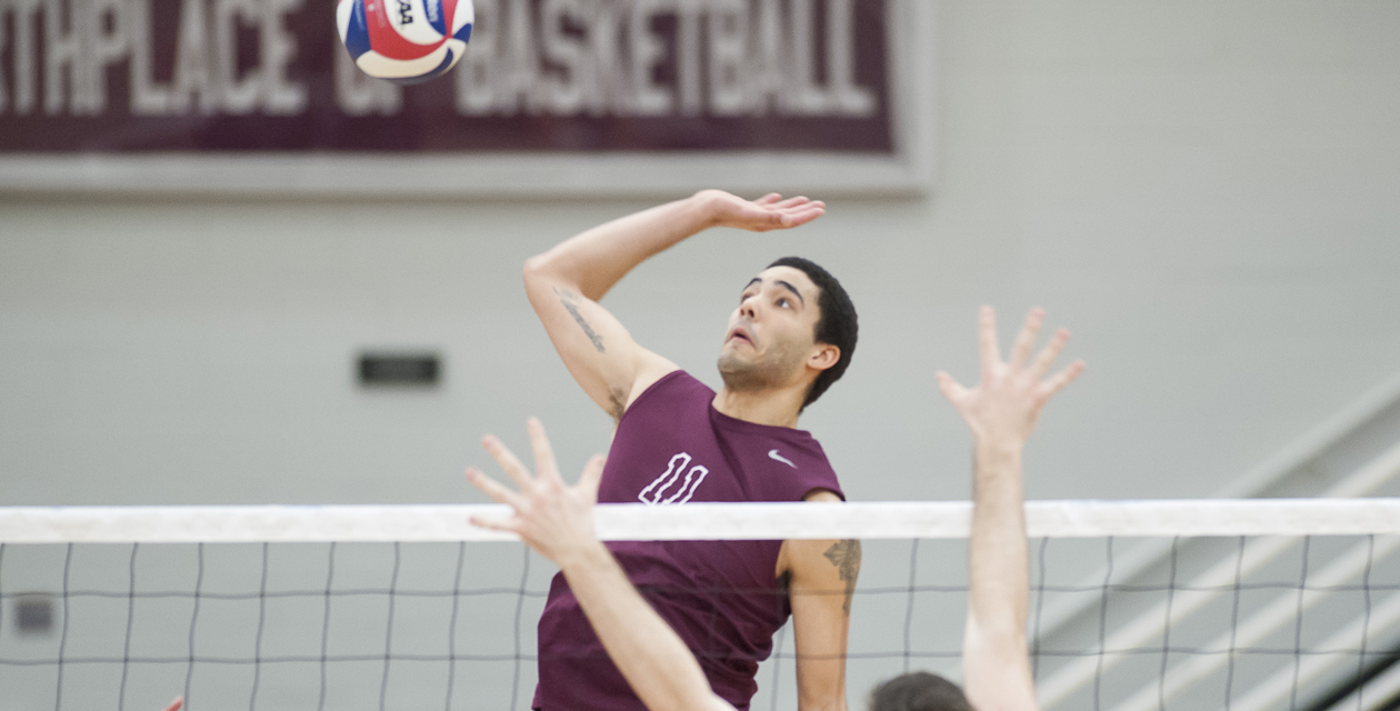Men's Volleyball Sweeps Rivier In Important In-Region Showdown