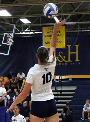 Emory & Henry Volleyball Blasts Hollins, 3-0, Thursday Evening In ODAC Action
