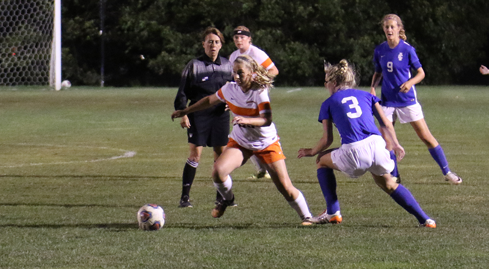 Women's soccer picks up 1-1 draw against Illinois College